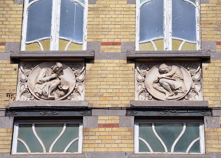 Art nouveau belgique la maison des m decins est une - Maison de l art nouveau ...
