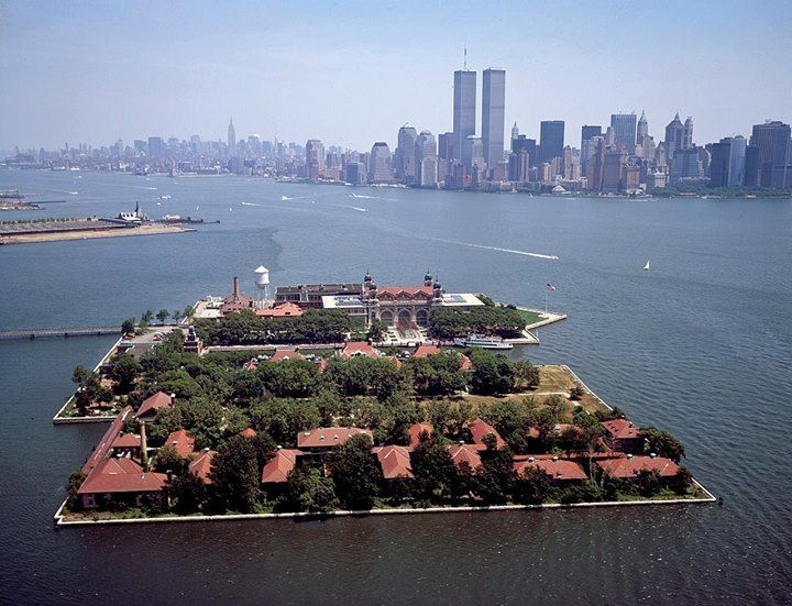 Finde die besten Hotelangebote  z.B. Ellis Island, New York City, USA