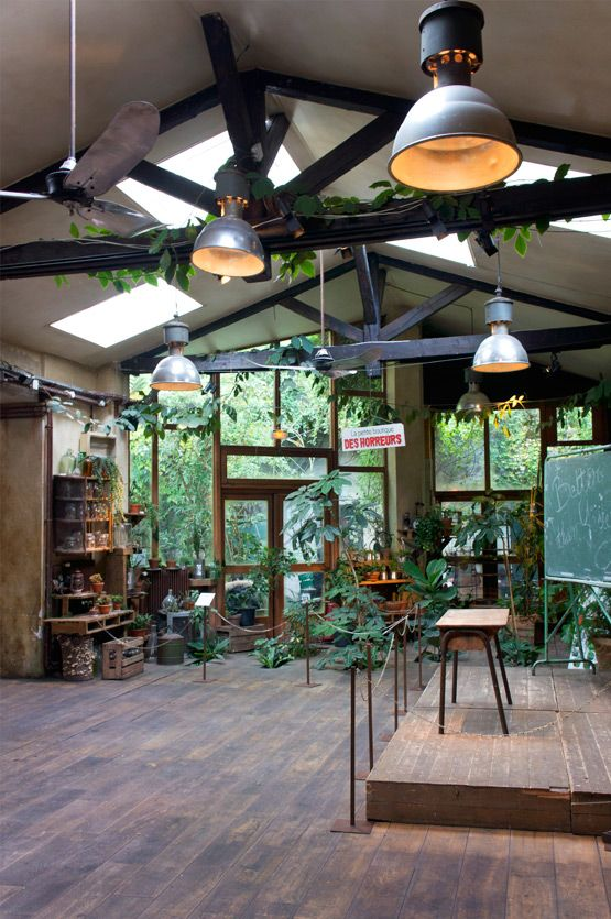 le comptoir g n ral in paris the plant floor lamps and tables. Black Bedroom Furniture Sets. Home Design Ideas