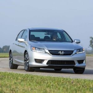 Consumer Reports Blasts Honda Accord Hybrid MPGClaim - The 2014 Honda Accord Hybrid is the latest among a growing list of gas-electric models to take hits for what critics contend are overly optimistic and misleading mileage