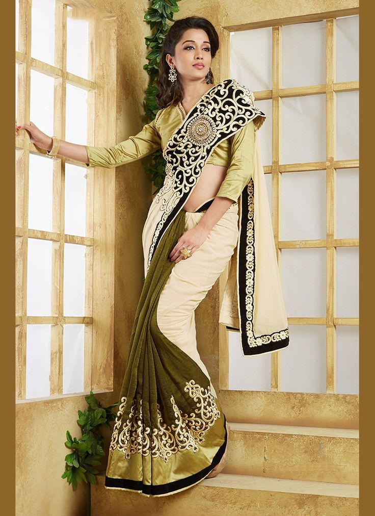 Buy Compelling Traditional Saree For Wedding, Online