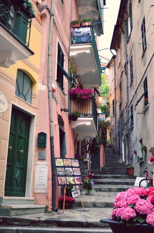Cinque Terre, Italyphoto via katie