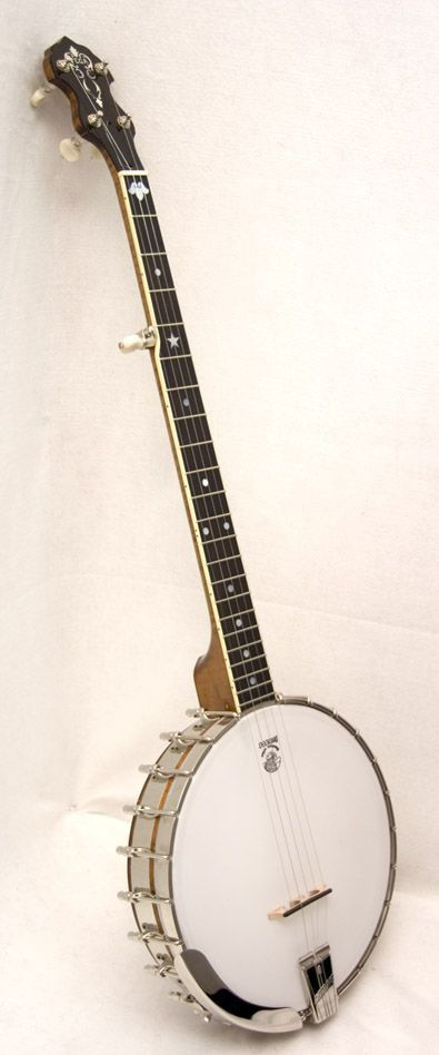 The tubaphone tone ring is one of the most sought after tone rings in banjo history for its clarity and warmth. Deering Banjo Company has been making Vega banjos for over 20 years and have taken a tre