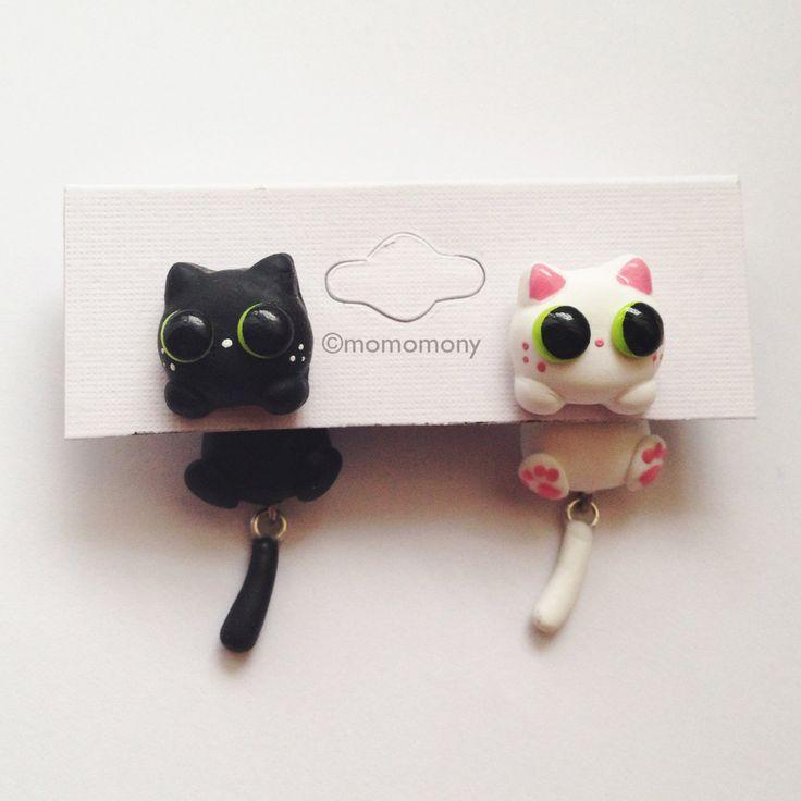 Negro lindo y gato blanco que se aferra Pendientes por momomony en Etsy