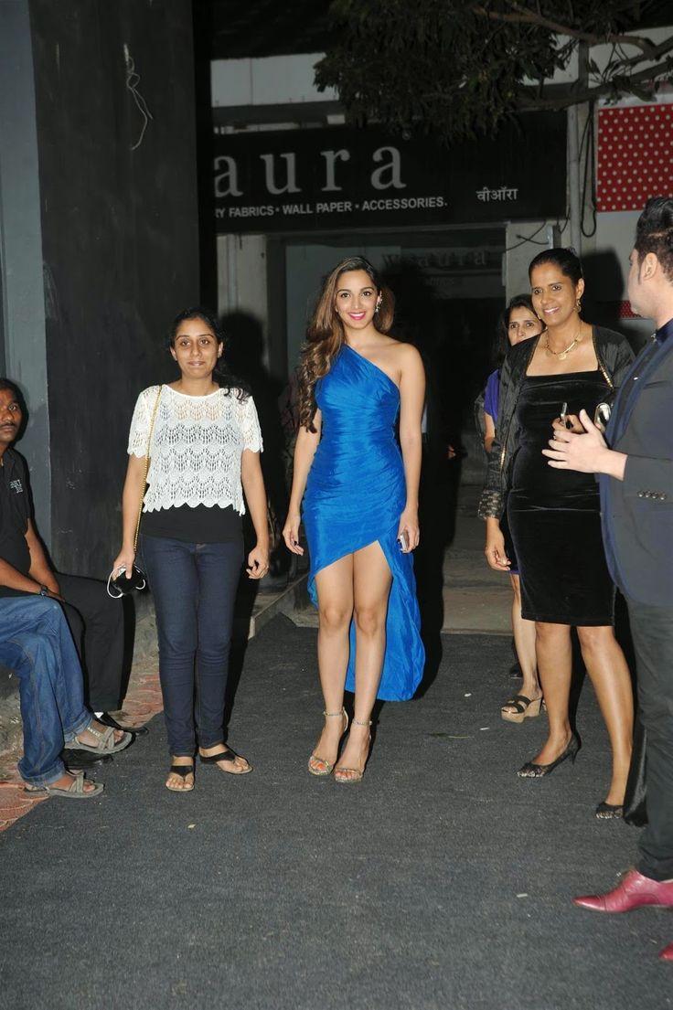 Kiara Advani Sexy Leg Show