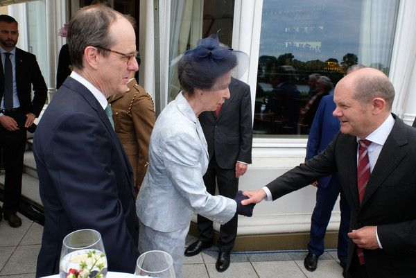 Princess Anne Photos Photos - The British ambassador in Germany Sir Sebastian Wood and Princess Anne with mayor Olaf Scholz attend a birthday party for Queen Elizabeth II June 15, 2017 in Hamburg, Germany. - Princess Anne Attends Birthday Party For Queen Elizabeth II In Hamburg