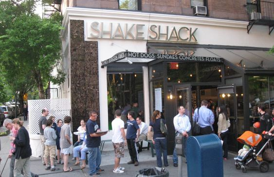 this may or may not have been the first thing I wanted to do when my dad told me we're going back to NYC. SHAKE SHACK 4EVR.