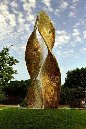Marco Bravura, fontana Ardea purpurea Ravenna - Italy - Altra fontana gemella a beirut-libano