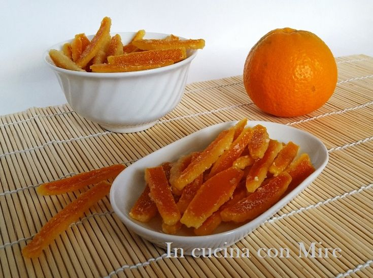 #gialloblogs #ricetta #ricetetbloggerriunite Bucce di arancia candite   In cucina con Mire