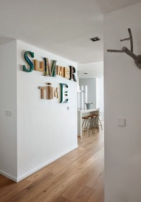 Las letras de metal reciclado y de color son de House Doctor #estilonordico #housedoctor #deco #style #casa #home #design #letras #decoración