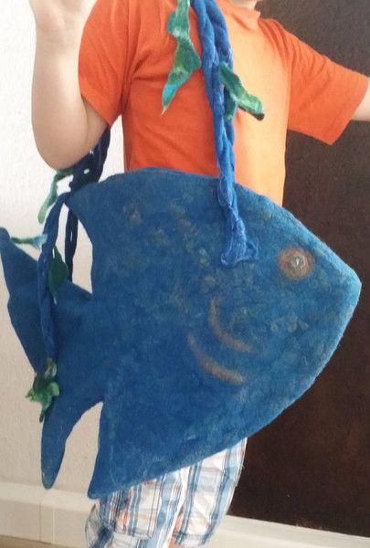 Tragetaschen - Filztasche/Lodentasche/Felted Bag Fish - ein Designerstück von BezauberndeWolle bei DaWanda