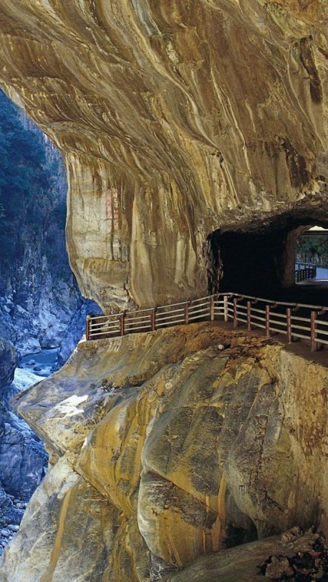 'Got Places To Go and People To See' (Tunnel of Nine Turns, Taroko Gorge,  Taiwan)