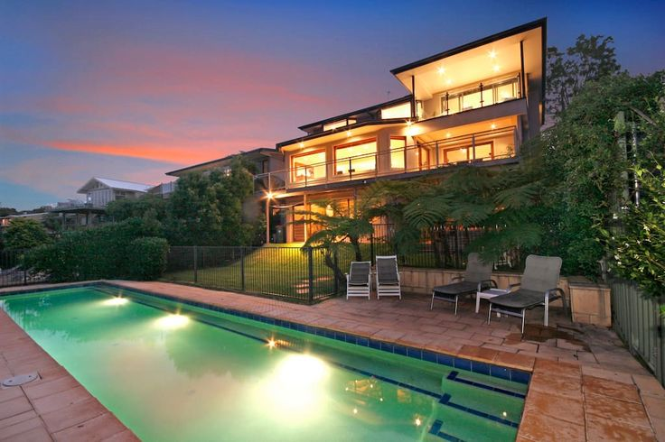 Central Coast. Pool. Ocean views. 12 guests
