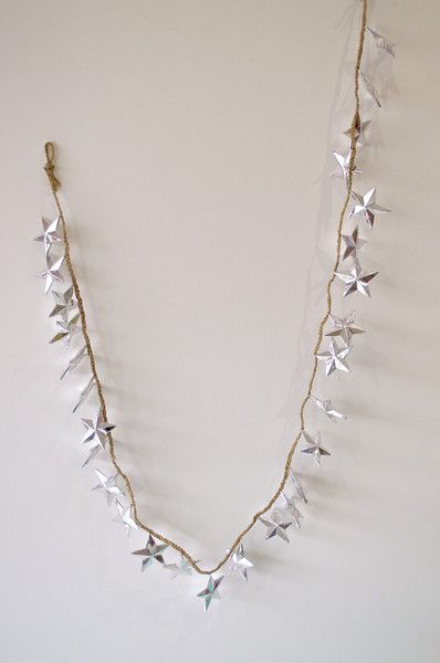 METALLIC SILVER STAR STRAND