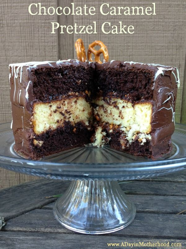 Chocolate Caramel Pretzel Cake recipe from http://www.adayinmotherhood.com/Chocolates Caramel, Cake Recipe, Yummy Recipe, Pretzels Cake, Chocolates Pretzels, Eating Cake, Caramel Pretzels, Chocolate Caramels, Sweets Tooth