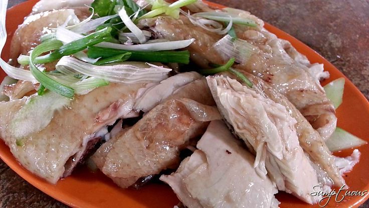 Loong Seng Hainanese Chicken Rice at Lorong Jintan 2 at Taman Supreme in Cheras. This is now my best Hainanese Chicken Rice in KL. I went there thrice in the last six months but I forgot my camera, so the photos courtesy of Sumptuous.
