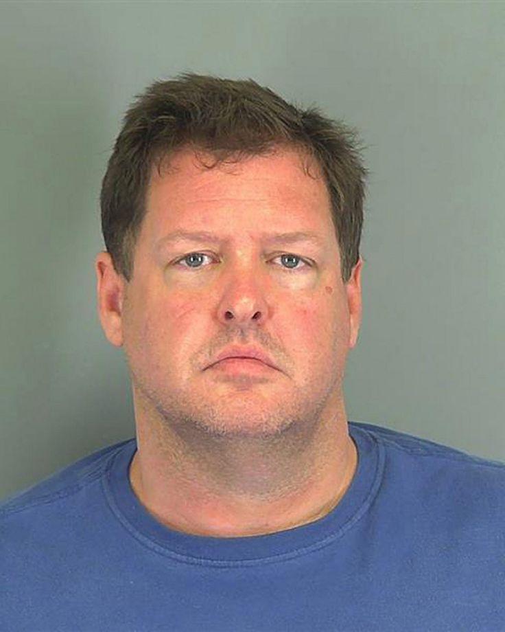45-vuotiaan Todd Kohlheppin epäillään tehneen vanhimmat murhista 13 vuotta sitten, mutta virkavalta pääsi hänen jäljille vasta nyt.