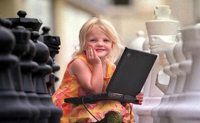 """15€ από 35€ ο μήνας για μαθήματα εκμάθησης υπολογιστών,δύο φορές την εβδομάδα για παιδιά ηλικίας 5-18ετών στον Πολυχώρο """"Εργαστήρια Παιδικής Τέχνης"""" στην Άνω Γλυφάδα. Έκπτωση 57%  http://www.deal4kids.gr/deals.php?id=306"""