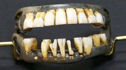 Insightful website published by Mount Vernon explaining ten facts that you probably did not know about George Washington's teeth. A must read!