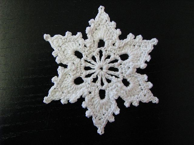 Free Crochet Pattern Snowflakes Ornament : Snowflake - free crochet pattern Crochet Snowflakes ...