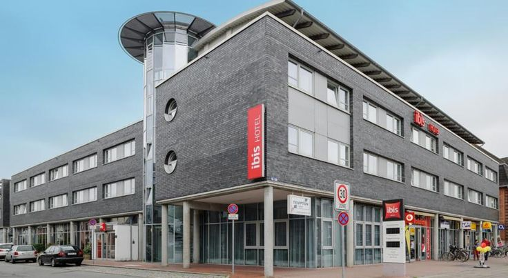 ibis Luebeck City Lübeck This modern 2-star hotel near Lübeck's Old Town district is only 800 metres from the Lübeck Main Station and enjoys direct access to the A1 motorway.