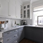Two Tone Kitchen Cabinets For A Fresh Looking Kitchen