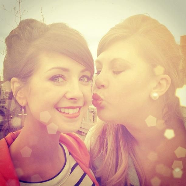 Zoe (Zoella) and Louise (Sprinkleofglitter).