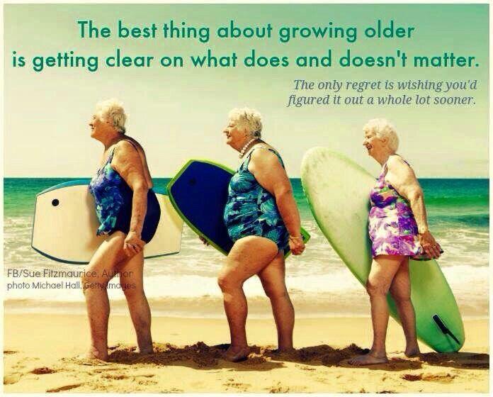 Je bent nooit te oud om te leren surfen :-)