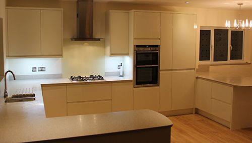 Cheap Kitchens | Discount Kitchens for Sale Online | Cheap Kitchen Cabinets Mrs Davies - handle less kitchen Harrogate - Here is a fantastic example of one of our high gloss handle less cream kitchens. We recently manufactured, supplied and fitted this modern handle less cream gloss kitchen in Harrogate. This kitchen looks so contemporary and the colour scheme works perfectly all the colours in this kitchen tie together extremely well,