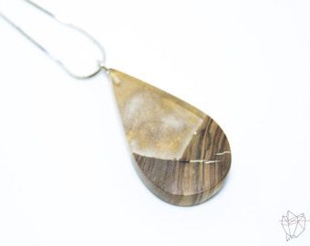 Resin and wood necklace, Gold resin, Wood resin jewelry, Resin necklace, Resin jewelry, Handmade Jewelry, Polyurethane resin, Made in Italy