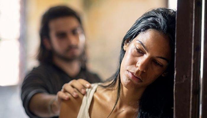 Στην Ελλάδα 8 στις 10 κακοποιημένες γυναίκες είναι θύματα του συζύγου τους
