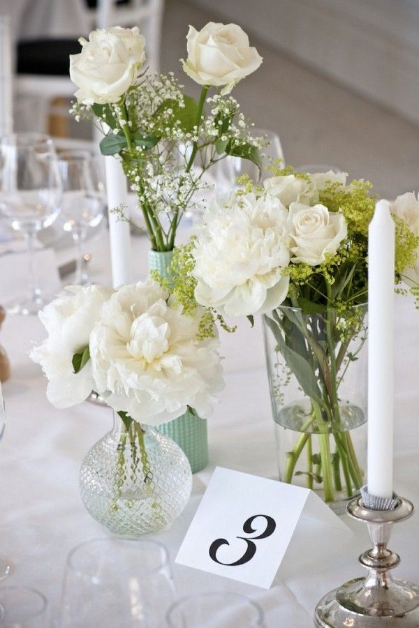 Not white but pretty arrangement several on the head Simple flower decoration ideas