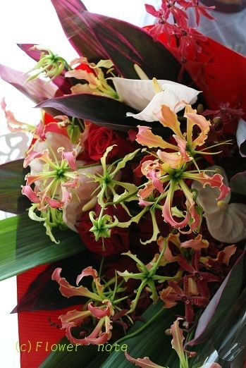 『【舞台花】ベリーダンスのショーのお花(その2)』 http://ameblo.jp/flower-note/entry-11343190224.html