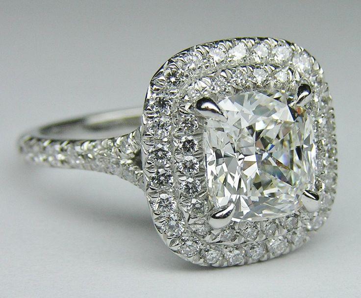 Spectacular engagement ring on Wanelo