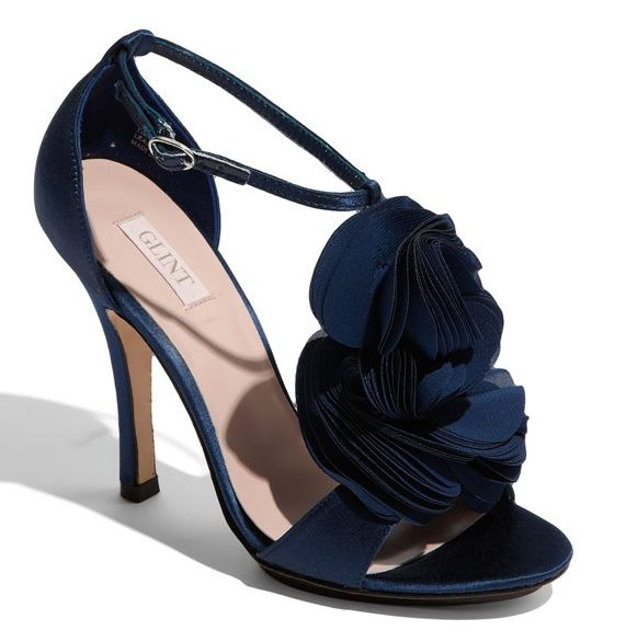 Thinking of going with navy shoes!