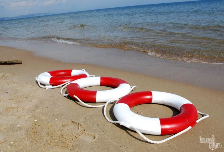 lifebuoys on the sea http://zeglarskieklimaty.pl/