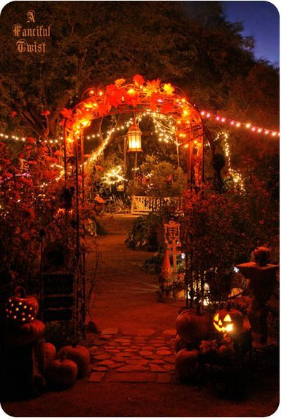 Wouldn't this be perfect for a Halloween wedding reception?