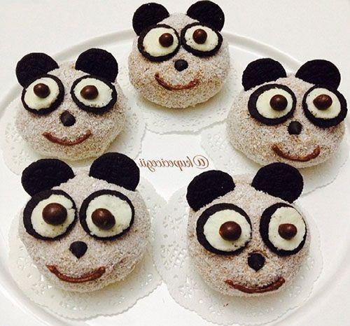 Çocuklarınızı mutlu etmek için bu sevimli minik panda pastalardan yapabilirsiniz.