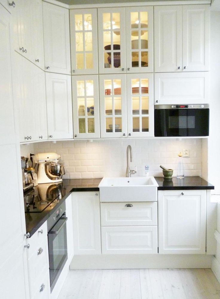 Best 25 bright kitchens ideas on pinterest kitchens for Bright kitchen ideas