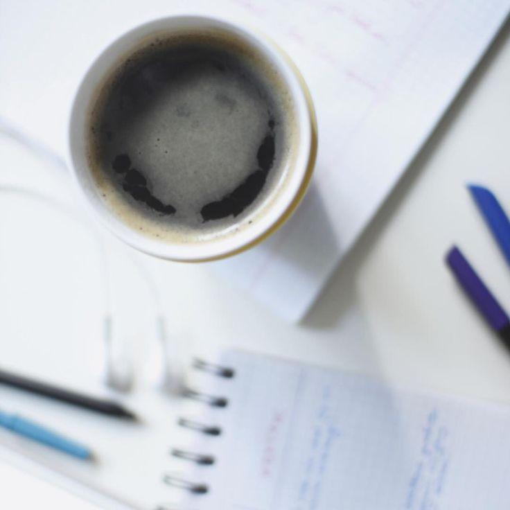 Dzień dobry bardzo ☕️ #coffee #goodmorning #dziendobry #kawa #coffeelover #writing