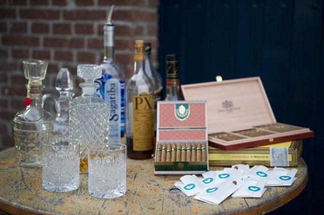 Whisky/cognac en sigaren als afsluiting op de avond