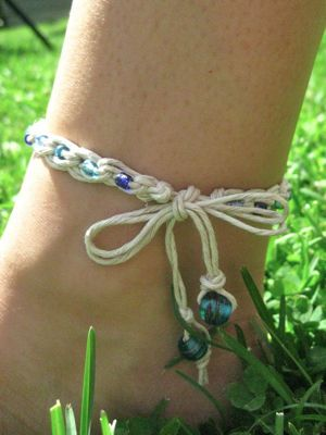 How to crochet a hemp ankle bracelet