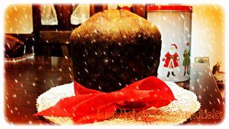Buon Natale col mio panettone casalingo......http://blog.giallozafferano.it/profumodidolce/panettone-home-made/