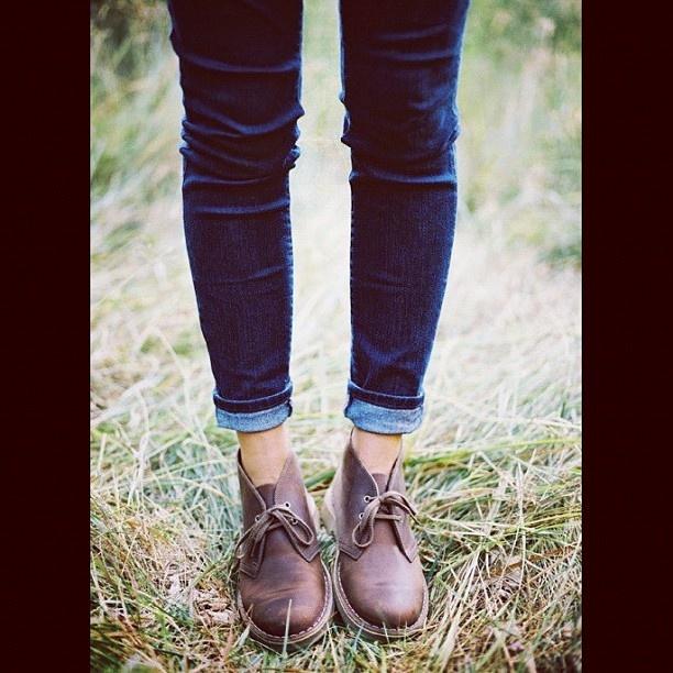 Clarks | Desert Boots | Skinny jeans | Instagram photo by @elenabossoni