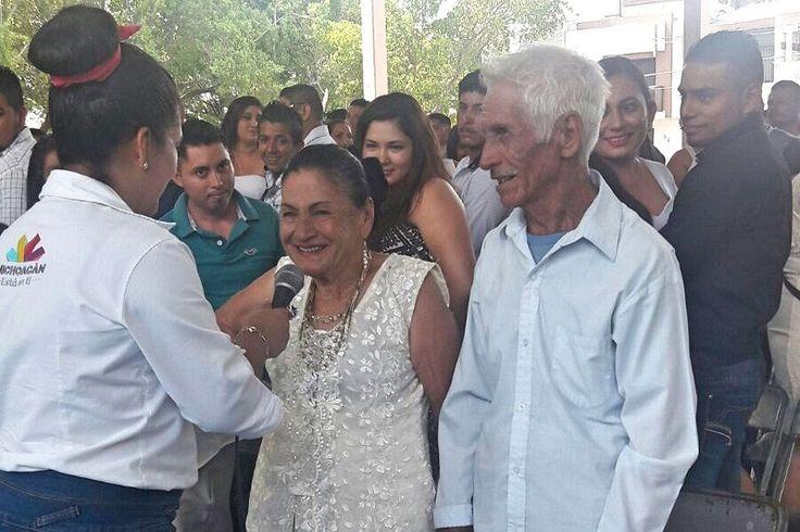 La Dirección del Registro Civil, que encabeza Hugo Gama, se trasladó a este municipio de la Tierra Caliente michoacana, en donde se efectuaron 86 matrimonios, 40 registros de nacimiento extemporáneos ...