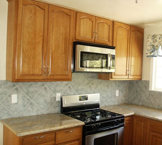 Brown Oak Kitchen Cabinets: Oak Cabinets And Granite Counters