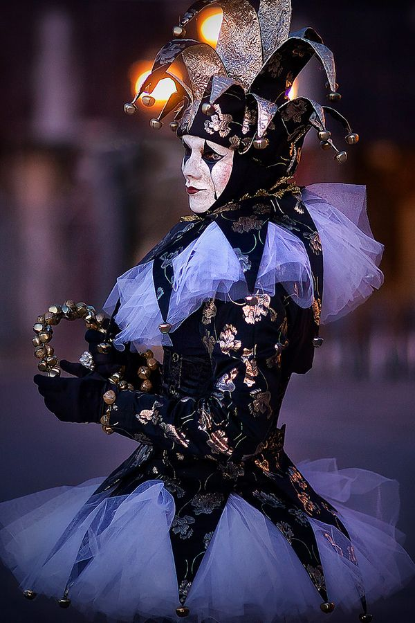 ~Danse Macabre~ The dark side of Carnevale in Venice. It's such a mysterious and surreal event.