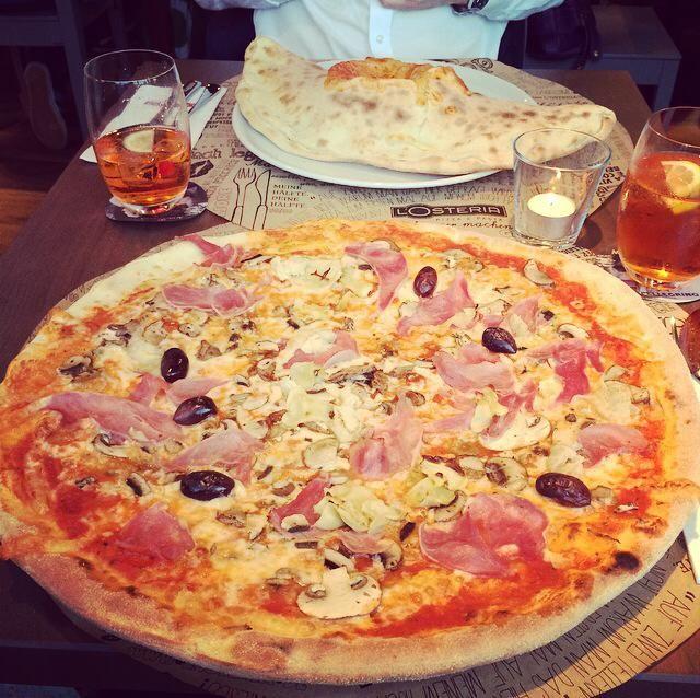 meine gigantische Pizza in der L'Osteria am Hauptbahnhof Wien #viennaliciousempfiehlt