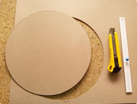 Режем круги из картона
