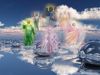 Los árcangeles son los jefes de los ángeles. Son:  Miguel: arcángel guerrero  Rafael: arcángel de la curación  Gabriel: el mensajero  Uriel: arcángel de la purificación  Anael:arcángel del amor y la belleza  Shakiel: arcángel de la clarividencia